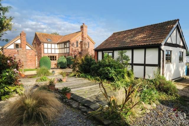 Thumbnail Cottage for sale in Madley, Hereford