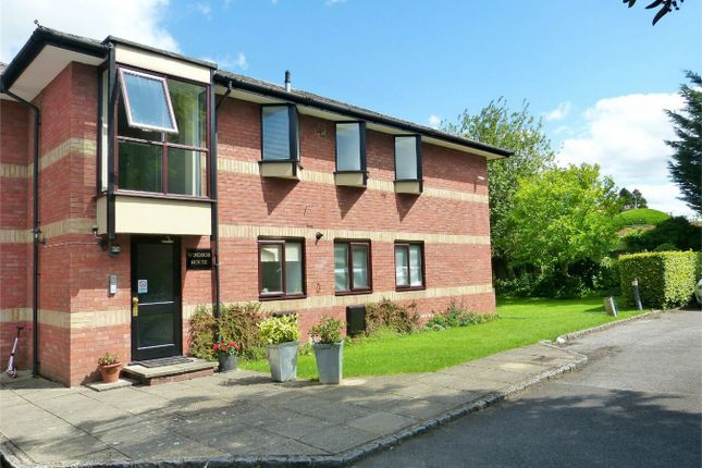 2 bed flat to rent in St. Andrews Road, Henley-On-Thames RG9