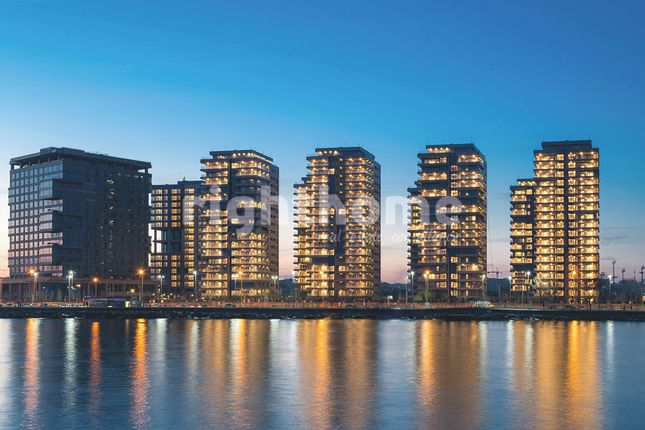 Thumbnail Apartment for sale in Luxury Towers In Bakirkoy, Bakırköy, Istanbul, Marmara, Turkey