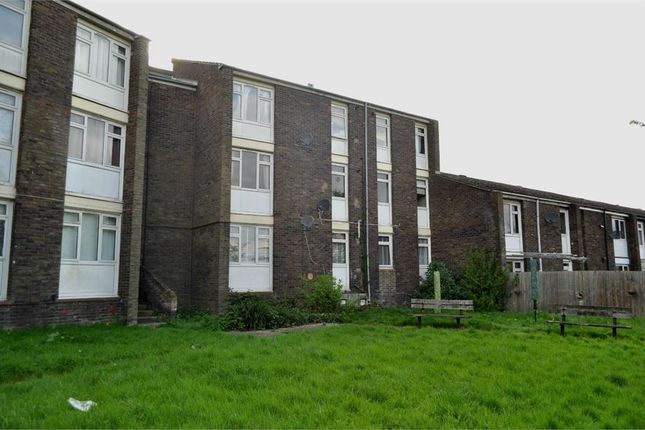 Thumbnail Flat to rent in Peterswood, Harlow