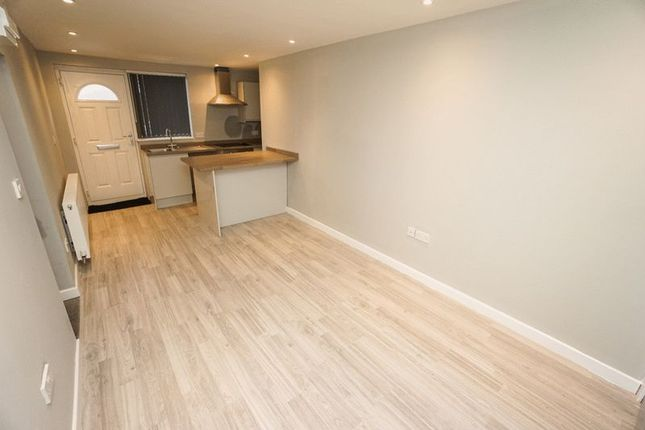 Thumbnail Flat to rent in Flat 3, Chorley New Road, Horwich