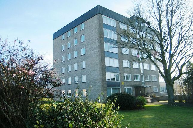 Thumbnail Flat to rent in Sutherland Avenue, Bearsden, Glasgow