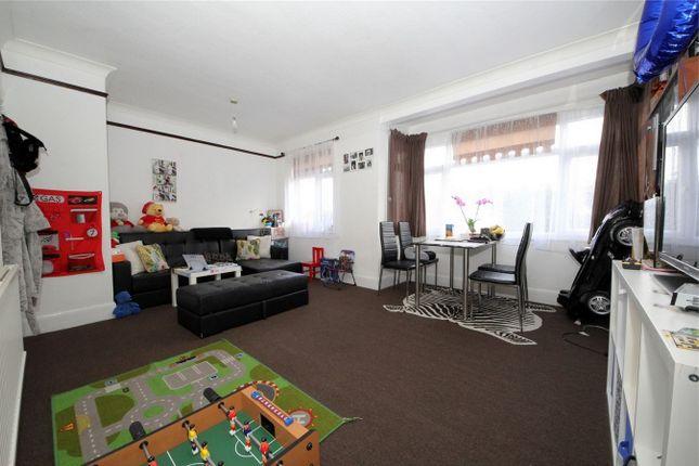 Thumbnail Maisonette to rent in Deepdene Court, London