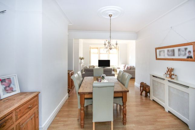 Living Room of Woodgrange Drive, Southend-On-Sea SS1