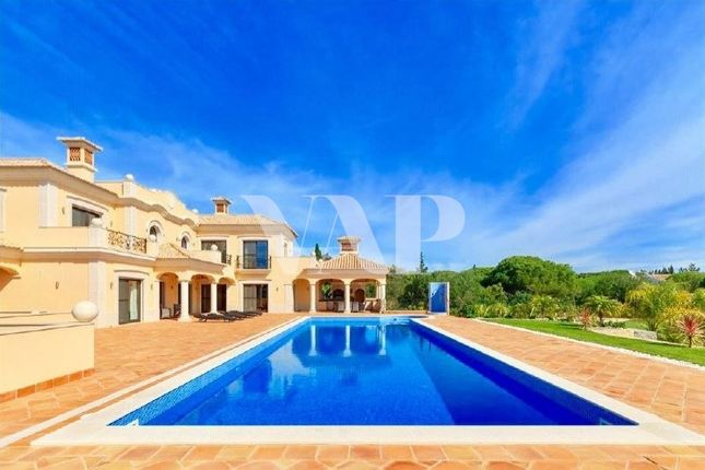 Thumbnail Villa for sale in Quarteira, Algarve, Portugal
