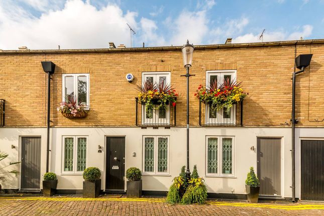 Thumbnail Property for sale in Royal Crescent Mews, Holland Park