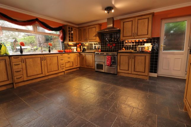 Thumbnail Detached house to rent in Willow Hey, Bromley Cross, Bolton