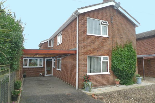Thumbnail Property for sale in Charles Close, Acle