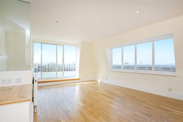Thumbnail Property to rent in Campden Hill Gardens, London