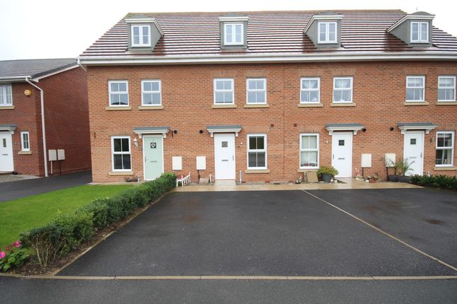 Thumbnail Town house to rent in Hazelmere Avenue, Buckshaw Village, Chorley
