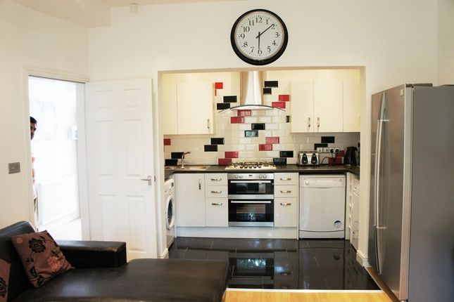 Thumbnail Property to rent in Albion Road, Manchester, Fallowfield