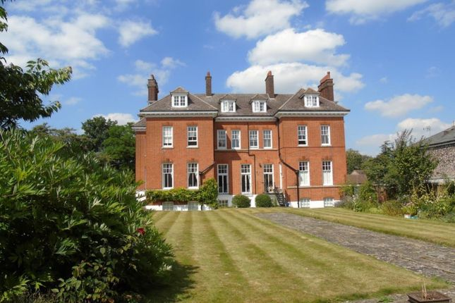 Thumbnail Flat for sale in Birdcage Walk, Newmarket