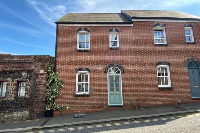 3 bed terraced house to rent in East Street, Lewes BN7