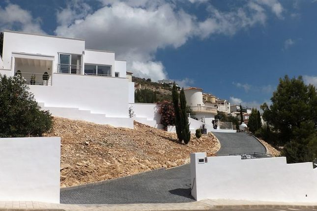 3 bed villa for sale in 03750 Pedreguer, Alicante, Spain