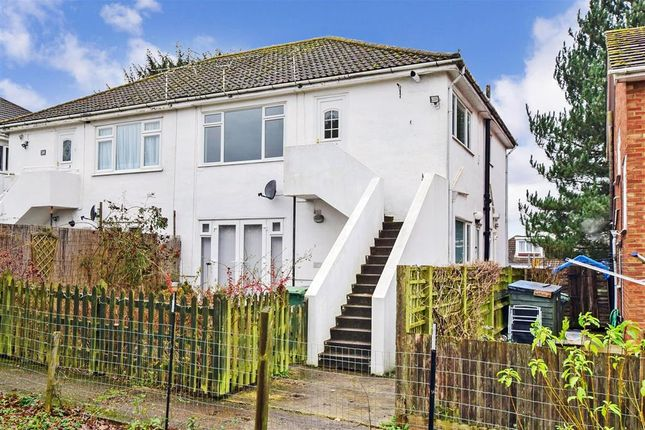 2 bed maisonette for sale in Stockett Lane, Coxheath, Maidstone, Kent ME17