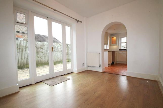 Thumbnail Semi-detached house to rent in Queens Road, Haywards Heath