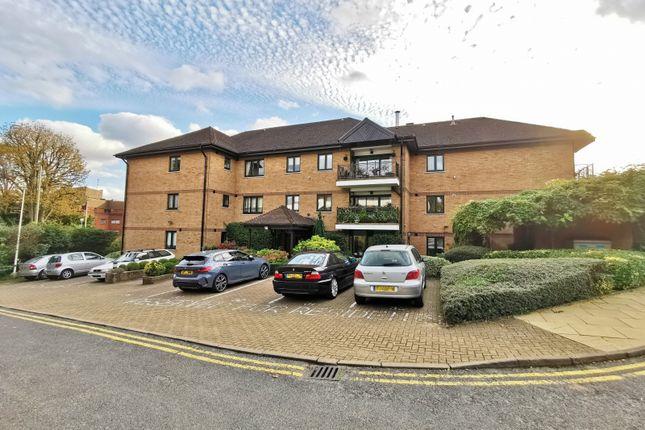 2 bed flat for sale in Regency House, Regents Park Road, Finchley Central N3