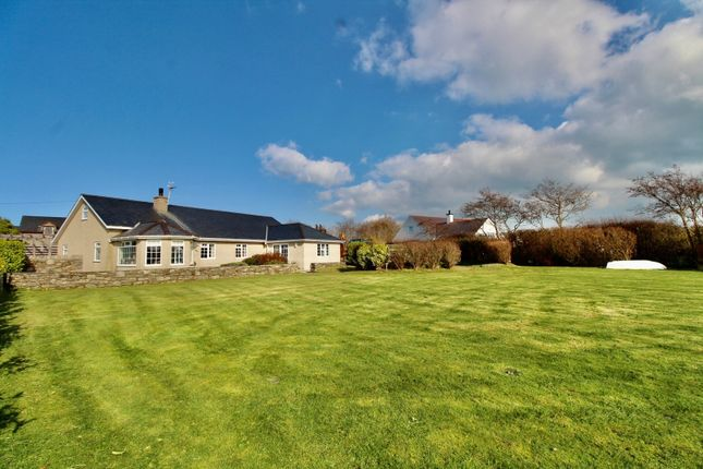 Thumbnail Detached house for sale in Bwlchtocyn, Pwllheli