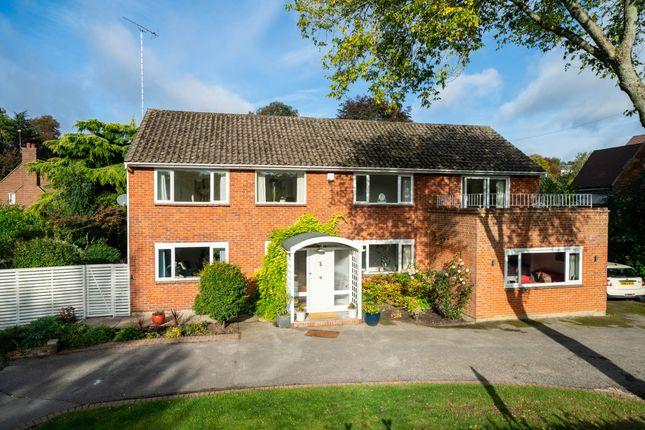 Thumbnail Detached house for sale in Brownlow Road, Berkhamsted