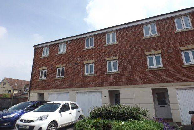 Thumbnail Property to rent in Dickinsons Fields, Bristol