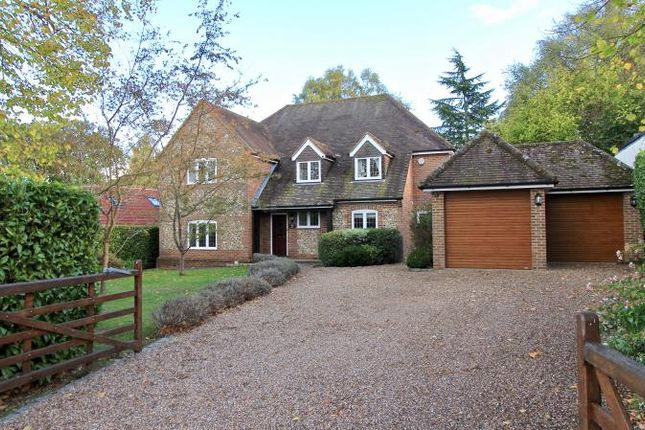 Thumbnail Detached house for sale in New Road, Little Kingshill, Great Missenden
