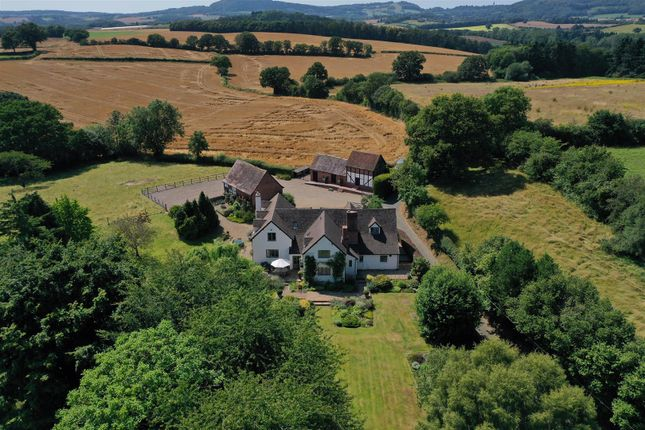 Thumbnail Country house for sale in New Inn Lane, Shrawley, Worcestershire