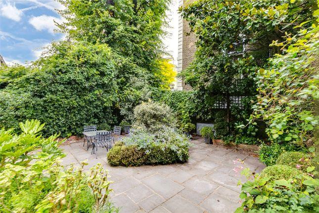 Picture No. 26 of Phillimore Gardens, Kensington, London W8