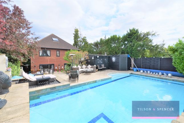 Thumbnail Detached house for sale in The Vale, Southgate, London