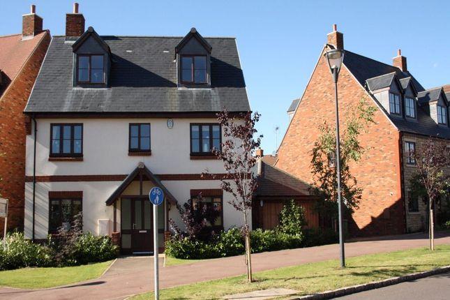 Queensbury Lane, Monkston Park, Milton Keynes, Buckinghamshire MK10