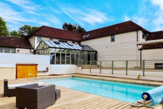 Thumbnail Farmhouse to rent in Henfield Road, Small Dole, Henfield