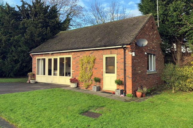 Thumbnail Detached bungalow to rent in Lynam Road, South Wingfield, Alfreton