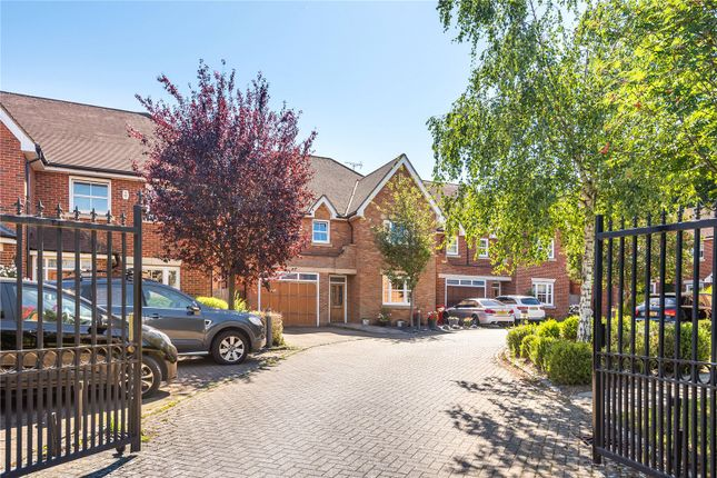 Thumbnail Detached house for sale in Highfield Drive, Ickenham, Uxbridge, Middlesex