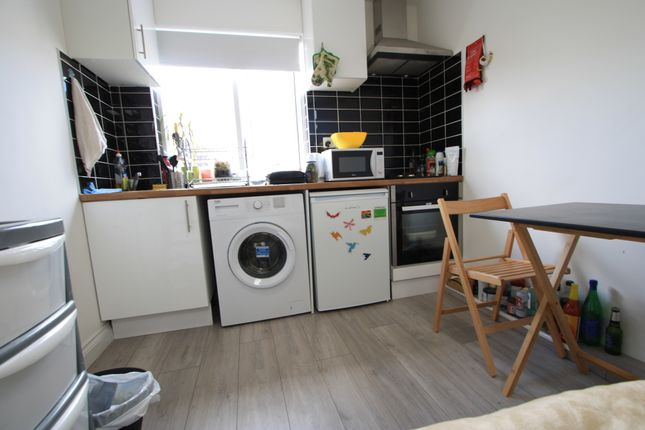 Studio to rent in Walworth Road, Elephant And Castle SE17