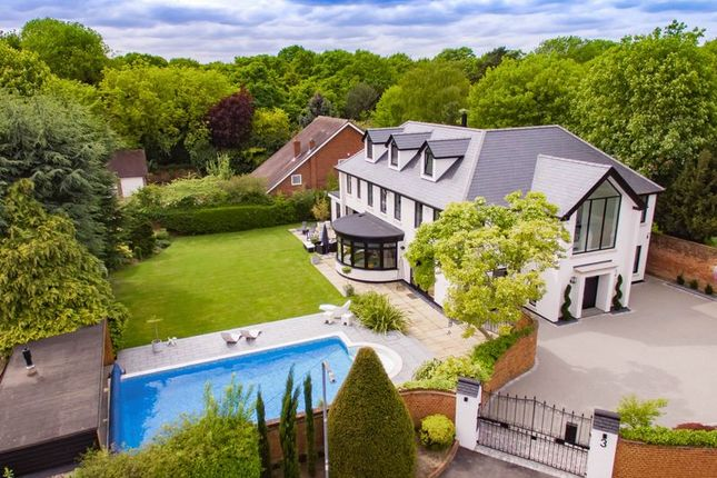 Thumbnail Detached house for sale in Stanmore Way, Loughton