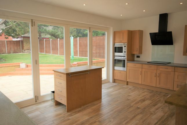 Thumbnail Detached house to rent in Park Avenue, Ruislip, Middlesex