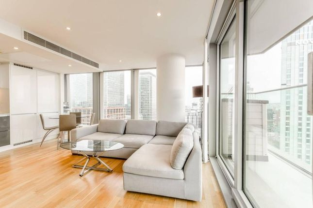 Thumbnail Flat to rent in The Landmark East Tower, 24 Marsh Wall, Canary Wharf, London