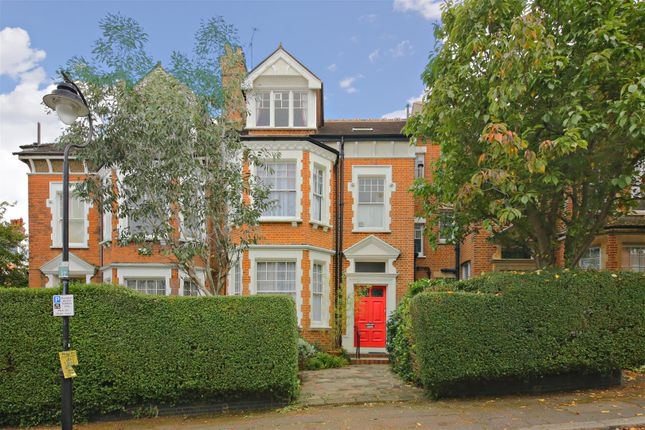 Thumbnail Property for sale in Southwood Avenue, London