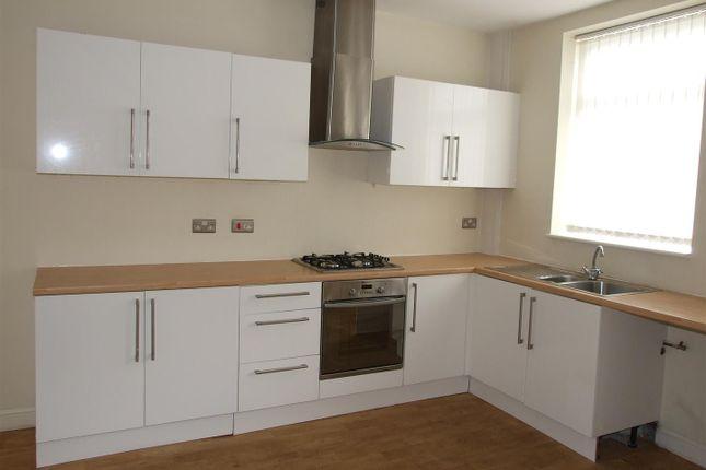 Thumbnail Detached house to rent in Higginshaw Lane, Royton, Oldham