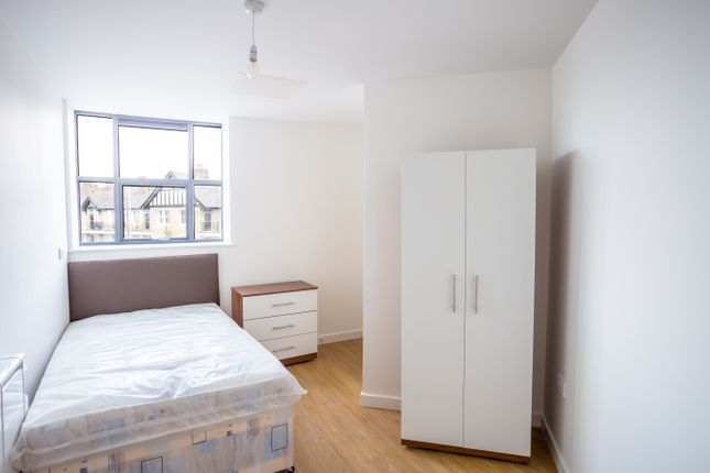 Thumbnail Shared accommodation to rent in Sunbridge Road, Bradford