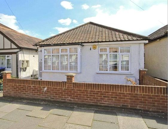 Thumbnail Detached bungalow to rent in Rugby Avenue, Wembley