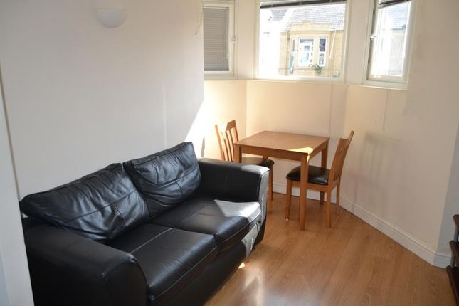 1 bed flat to rent in 56, Colum Road, Cathays, Cardiff, South Wales