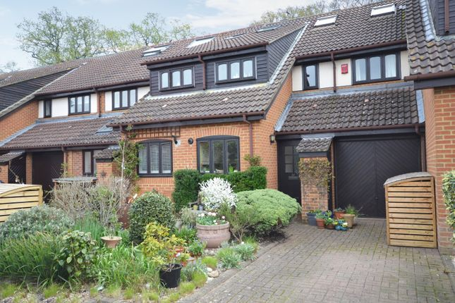 4 bedroom property for sale in Hatch Place, Kingston Upon Thames