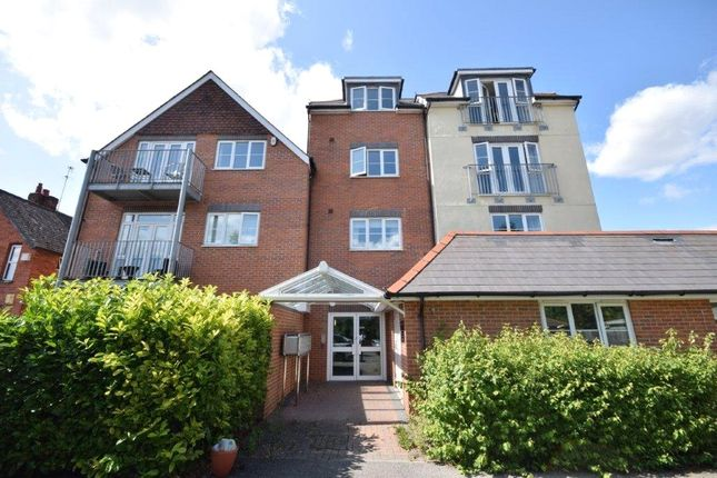 Thumbnail Flat to rent in Alpha House, Napier Road, Crowthorne, Berkshire