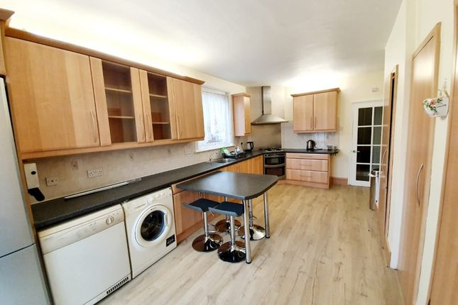 Thumbnail Terraced house to rent in Eastern Road, London