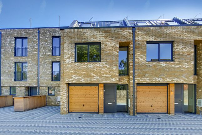 Thumbnail Town house for sale in Helena Close, Southfields, London