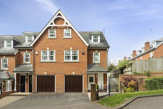 Thumbnail Semi-detached house to rent in Sells Close, Guildford