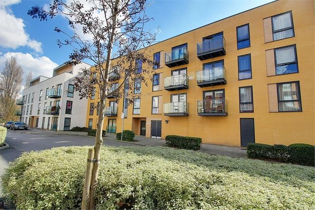 Thumbnail Flat for sale in Velocity Way, Enfield
