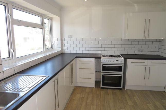 Thumbnail Town house to rent in Hawbeck Road, Rainham, Gillingham