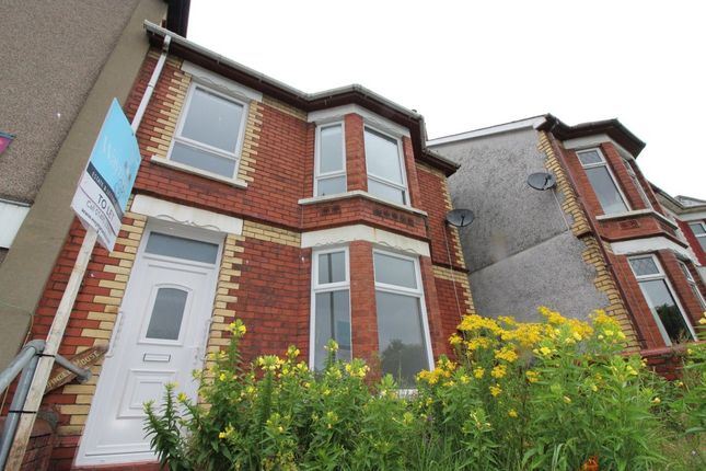 Thumbnail Town house to rent in North Road, Newbridge, Newport