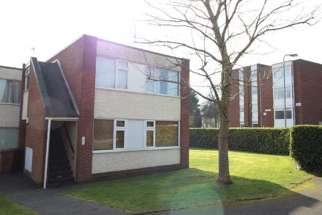 2 bed flat to rent in Lee Close, Rainhill, Prescot L35